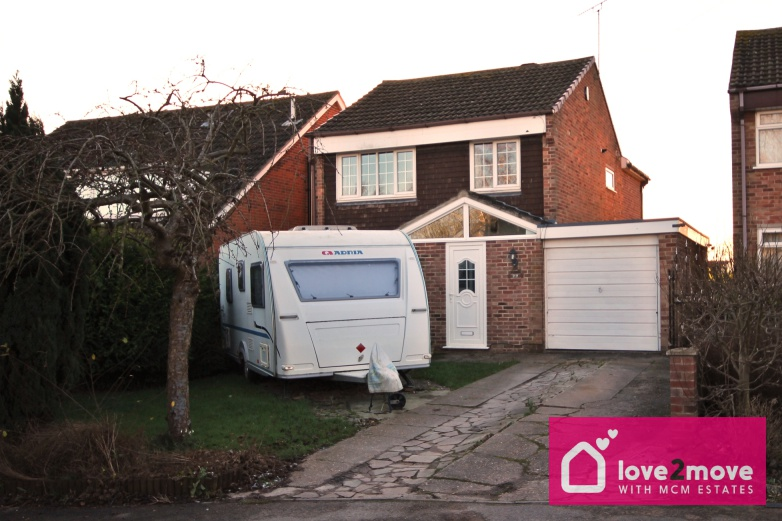 IT'S GONE! £229,500 Palmerston Street, Westwood, Nottinghamshire, NG16 5HY - 3 BEDROOM DETACHEDFANTASTIC OPPORTUNITY! Three bedroom extended family home with swiss-inspired summer house, sheltered hot tub, garage parking and driveway set in a highly sought after area. Countryside walks on the doorstep! EPC rating TBC