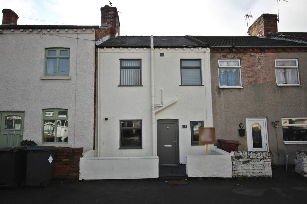 £82,950 Wilson Street, Pinxton, Nottinghamshire, NG16 6LS - 2 BEDROOM TERRACEA charming cottage style property, offering two bedrooms, a dining kitchen, lounge and four piece bathroom, plus a lovely south facing rear garden, all located in the heart of Pinxton. EPC rating D.