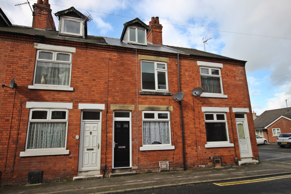 £87,950 Silk Street - 2 BEDROOM TERRACE + LOFT ROOMNO ONWARD CHAIN! Newly renovated! This gorgeous property offers two spacious receptions, modern kitchen and bathroom, two bedrooms, a loft room and a cellar, plus an enclosed rear garden, all located close to amenities and transport links. EPC rating E.