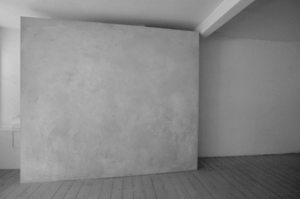 """Surface: Untitled II , 1976  Grey Building Plaster on Plasterboard with Galvanised Beading  244cm (96"""") x 274cm (108"""")  Installation at Lisson Gallery, London"""