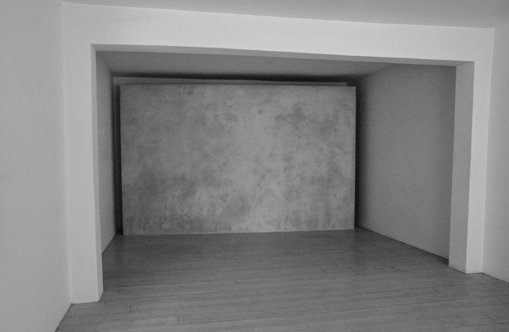 """Surface: Untitled III , 1976  Grey Building Plaster on Plasterboard with Galvanised Beading  244cm (96"""") x 406cm (160"""")  Installation at Lisson Gallery, London"""