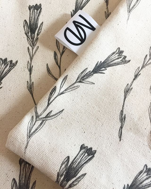 I've really loved drawing, developing, sewing & now finalising this next series of cushions, and for those of you who know me might be surprised by the absence of a turquoise/mustard yellow combo. Well maybe it's the nana in me, but the simplicity of these botanicals is what I love the most. ▪️▫️ #simple #botanicals #new #comingsoon #newtowebsite #different #detail #drawing #fineliner #calming #collection #zentothecrazy #textiles #fabric #design #print #letmeknowwhatyouthink #organic #cotton #interior #cushion #london #botanicals #monochrome #florals