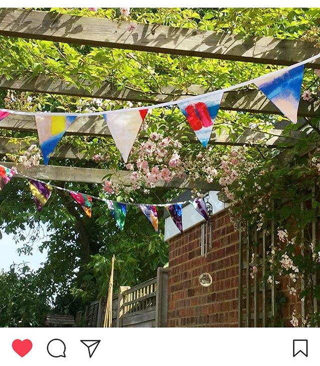 Love this pic of my bunting hanging perfectly in the garden on this gorgeous sunny day! ☀️☀️ Thank you!!! #happysunday #bunting #thankyou #newest #order #sundayvibes #melissaoughamdesigns #print #pattern #fun #product #customer #thankyou #garden