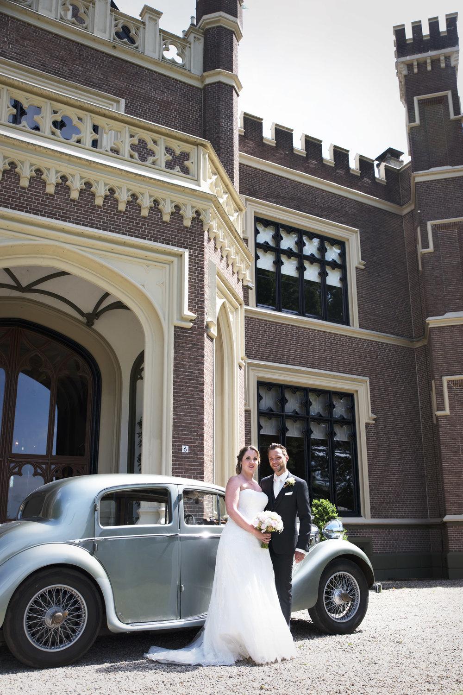 trouwfoto kasteel trouwauto bruidsfoto's