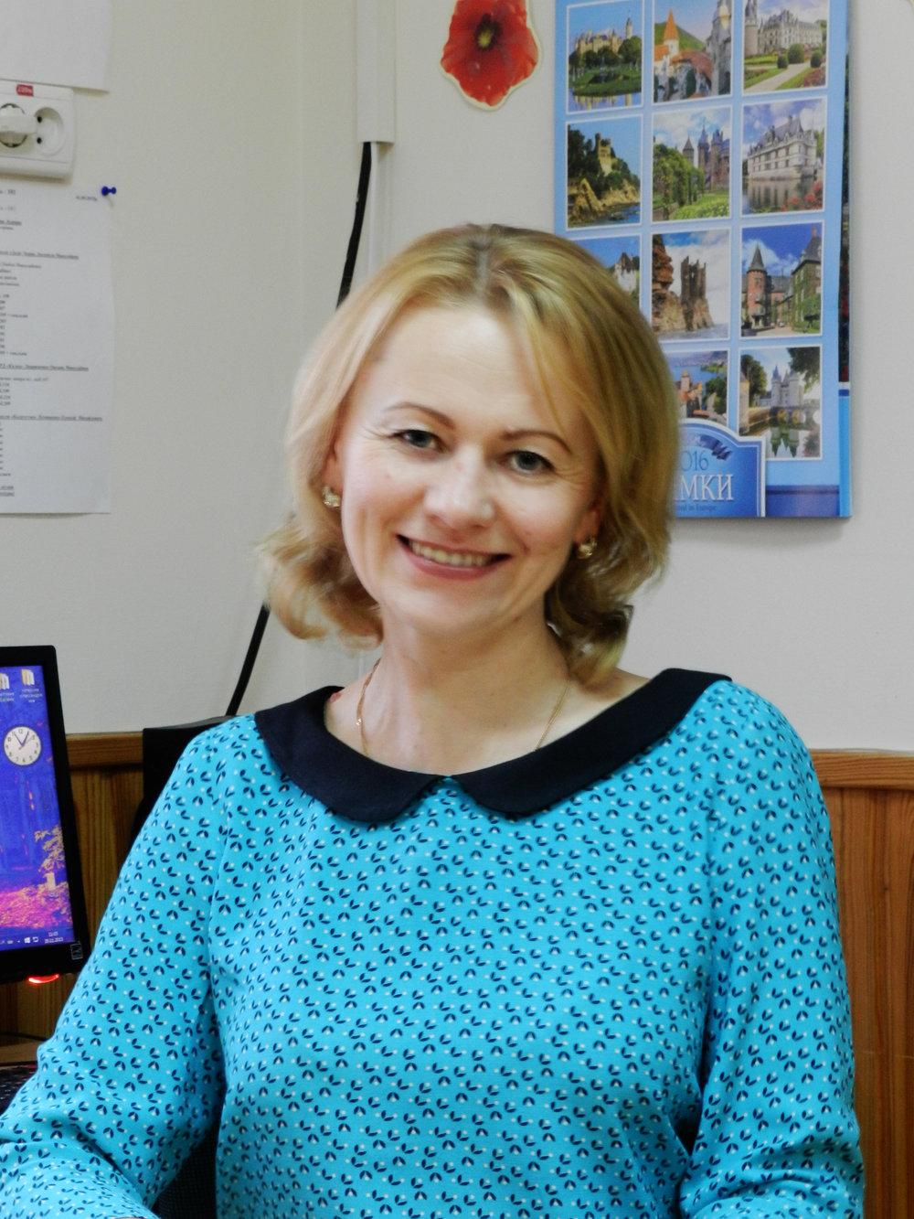 Сичова Наталія Василівна - вчитель української мови, вихователь 7 класу