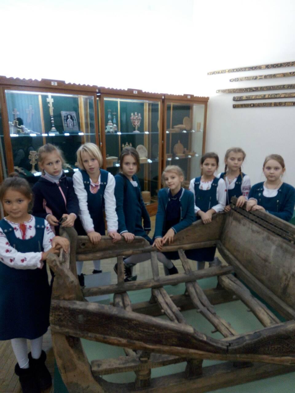 7 Школа Леді Музей декоративного мистецтва.jpg