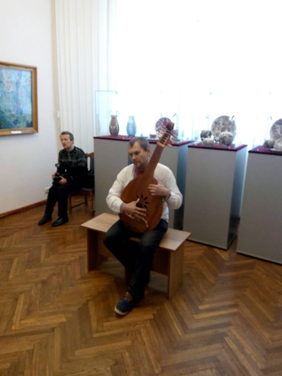 12 Школа Леді Музей декоративного мистецтва.jpg