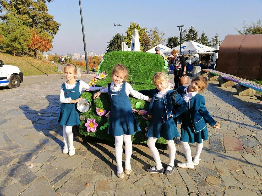 7. Школа Леді Фесиваль хризантем.jpg