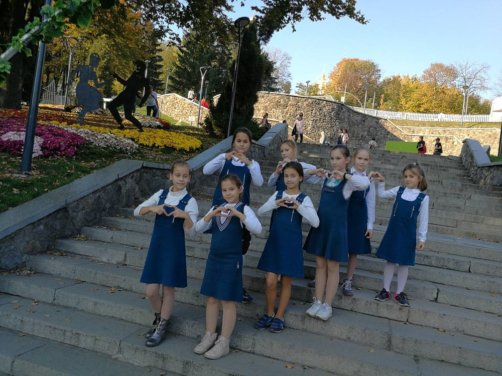 47. Школа Леді Фесиваль хризантем.jpg