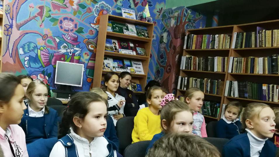5.Школа Леді_зустріч з письменниками сучасності.jpg