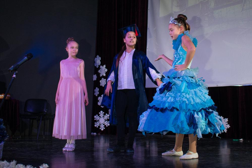 4.Школа Леді_Вистава 5 класу_Чари в новорічному лісі.jpg
