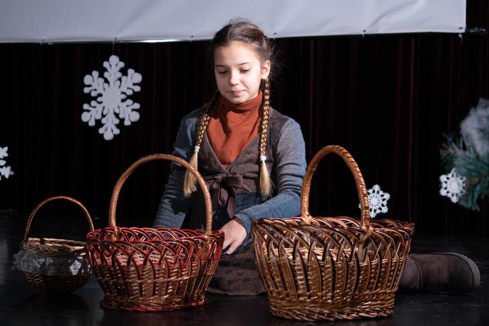 12.Школа Леді_Вистава 5 класу_Чари в новорічному лісі.jpg