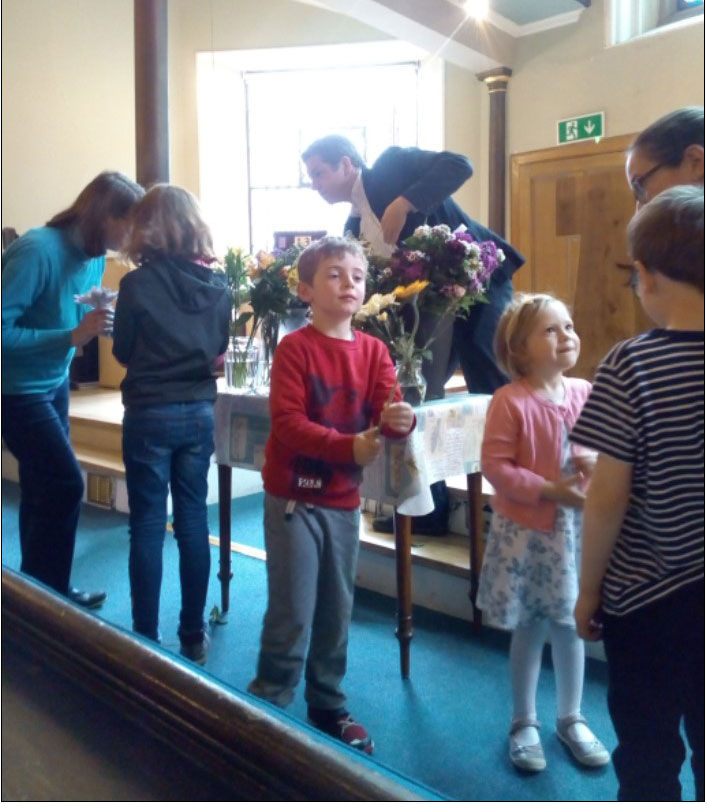 kids-flower-communion.jpg