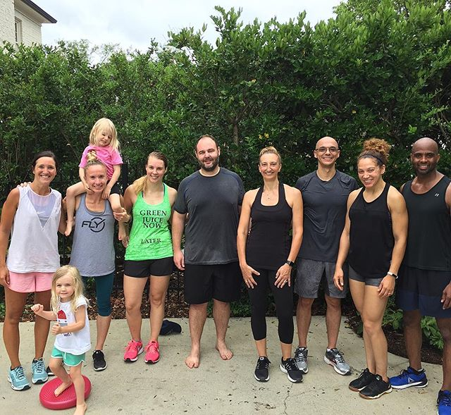 Perfect morning weather for a solid strength workout! Nice work crew 👊🏻🙌🏻 #cltfitlife #cltfitness #squadgoals #strengthtraining