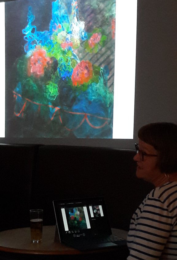 Painter  Ruth Piper  giving a talk at Salon48 on May 2018