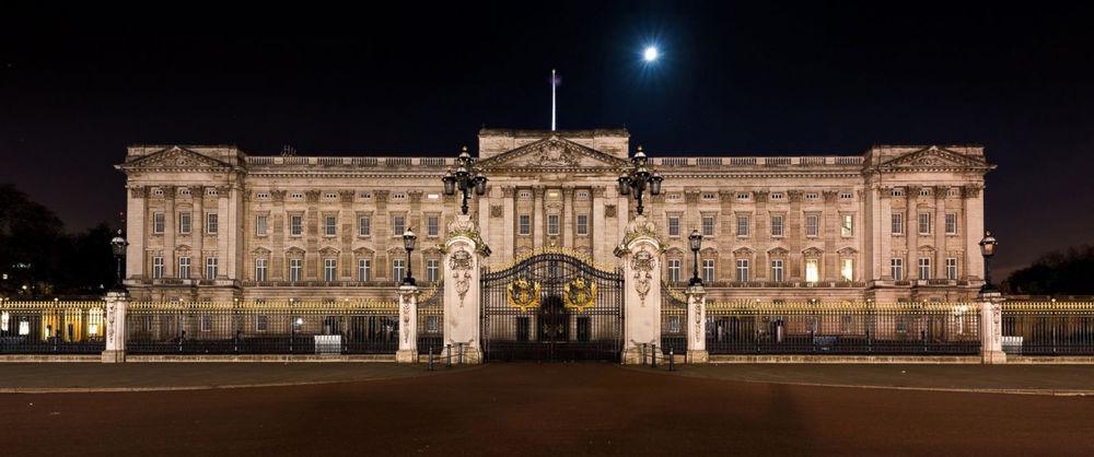 Buckingham, Night