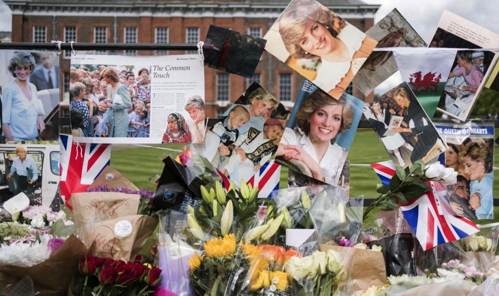 Princess Diana Tribute Kensington Palace