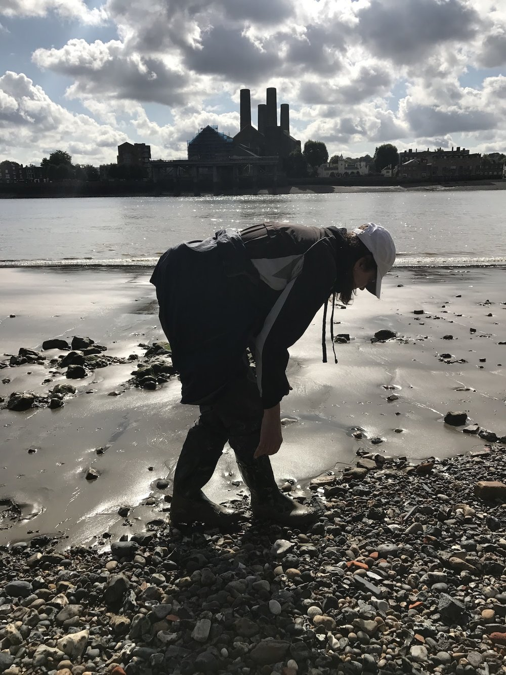 Looking For Treasure. Mudlarking on the shores of The Thames.