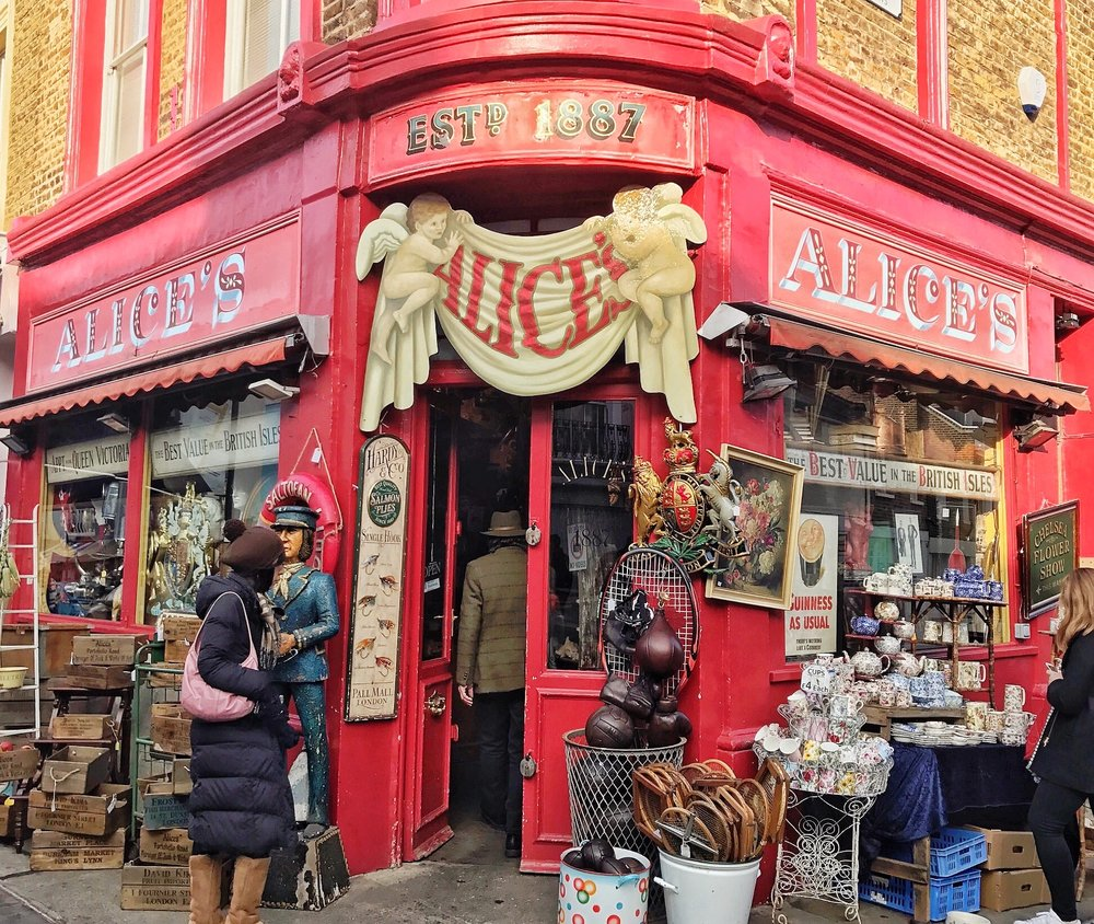 Alice's On Portobello Road. A Broad in London