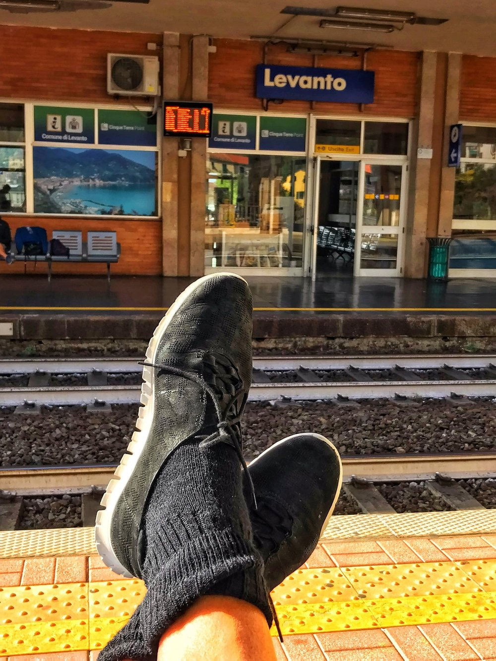 My Feet at The Levanto station
