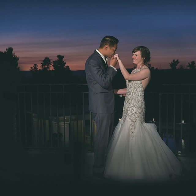 Love and romance under the night sky at the sweetest place on earth. : : #love #romance #nightsky #justmarried #hershey  #thehotelhershey #pennsylvania #sweetestplaceonearth #brideandgroom #newlyweds #wedding #weddingphotographer #weddingreception #pandanggophotography #pandanggophoto