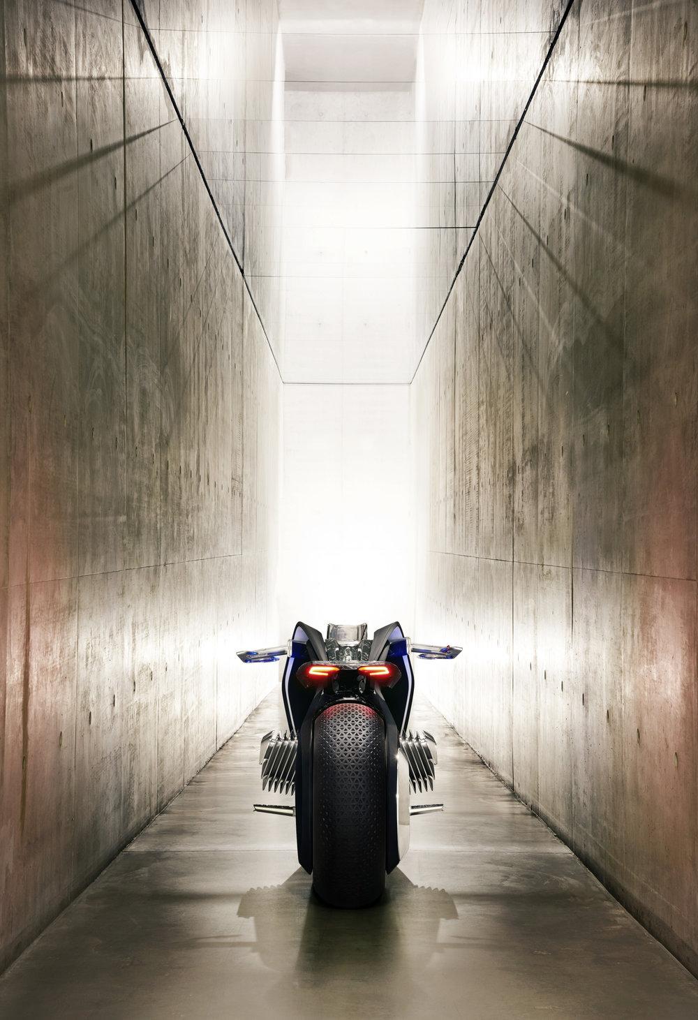 P90238707_highRes_bmw-motorrad-vision-.jpg
