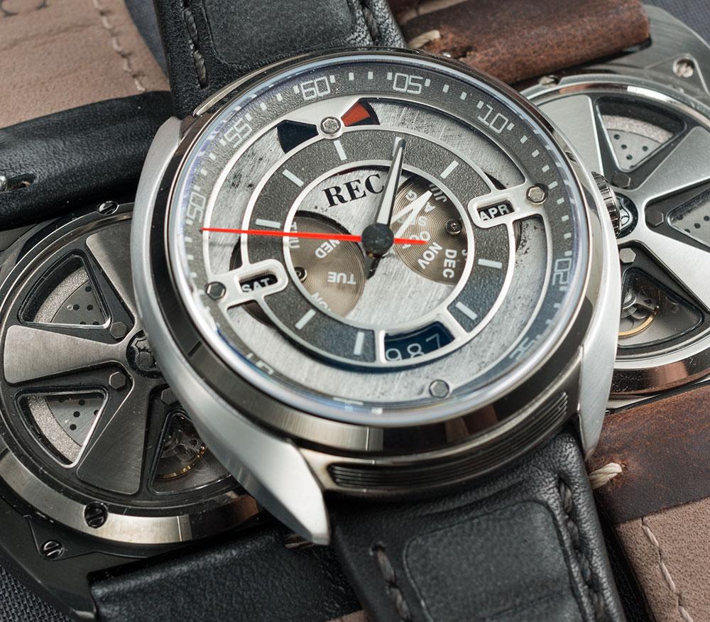 Relógio feito de Porsches reciclados -