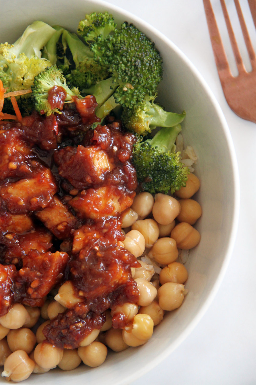 Peanut Tofu Buddha Bowl -