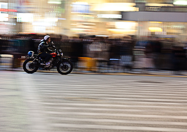 Shibuya_Crossing_Motorcycle.jpg