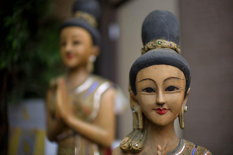Thai statues in Nakameguro, Tokyo, Japan