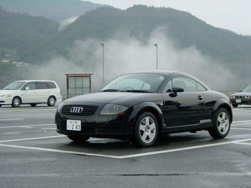 Audi TT-1