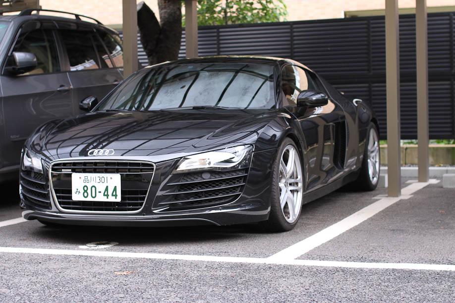 Black Audi R8
