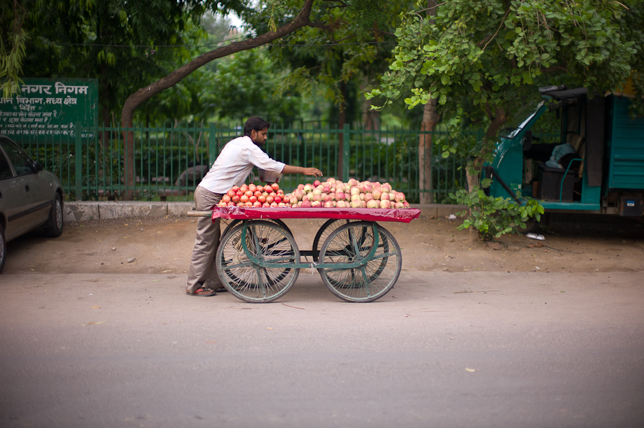 Apple Cart on the street in New Delhi