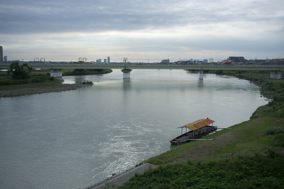 Riding along Tamagawa River with the Tokyo Cranks