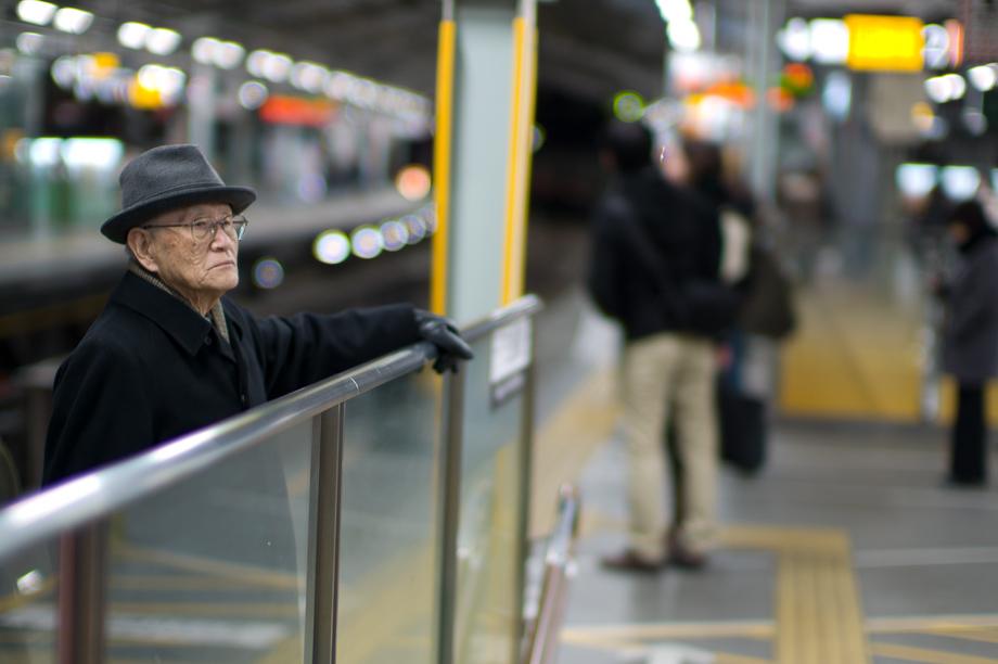 Old man in Jiyugaoka Station