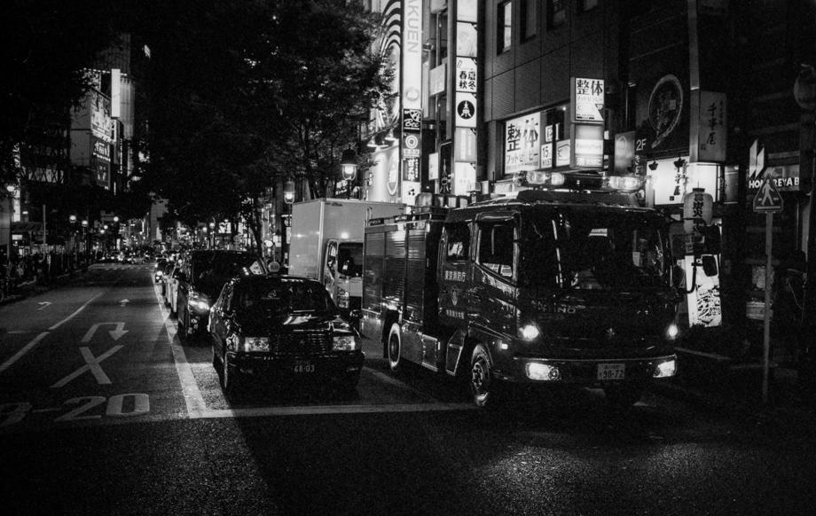 Shibuya shot on Delta 400@1600 with a Leica M6J