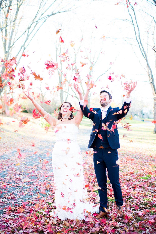 Foliage wedding photos are fun.