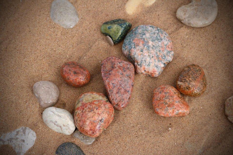 Rocks, Lake Superior, Michigan, USA