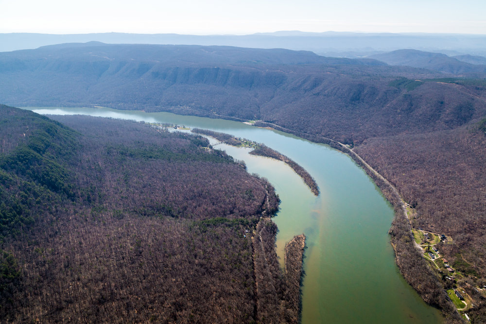 Tennessee River Gorge west of Chattanooga, Tennessee.