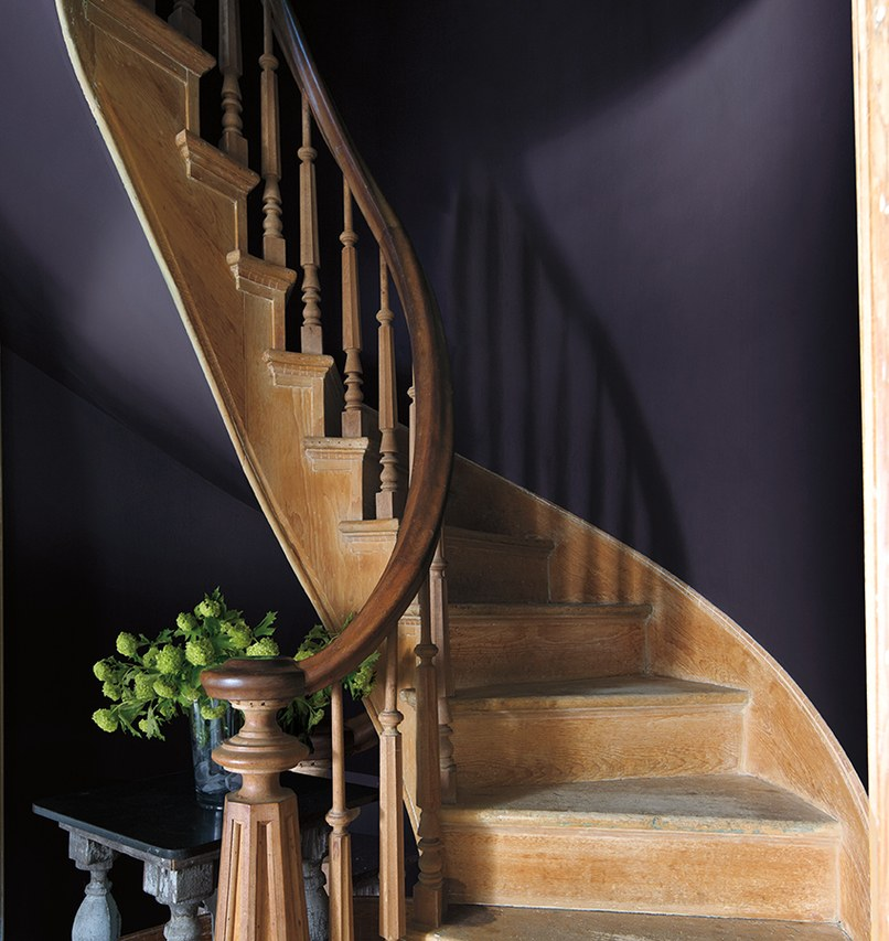 Benjamin Moore Colour of the Year 2017 Staircase