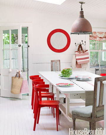 54bfd2a60b391_-_red-chair-diningroom-0311-oneill02-vtdwqp-de.jpg