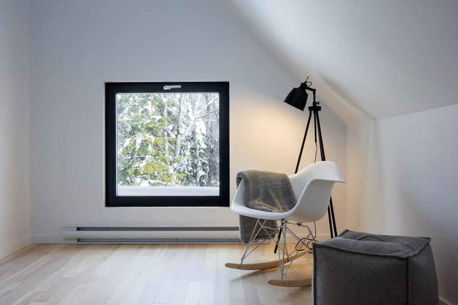 villa-boreale-cargo-architecture-residential-quebec-canada-dave-tremblay_dezeen_936_2.jpg