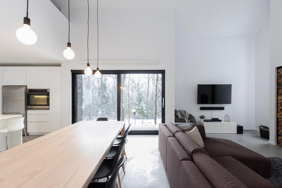 villa-boreale-cargo-architecture-residential-quebec-canada-dave-tremblay_dezeen_936_9.jpg