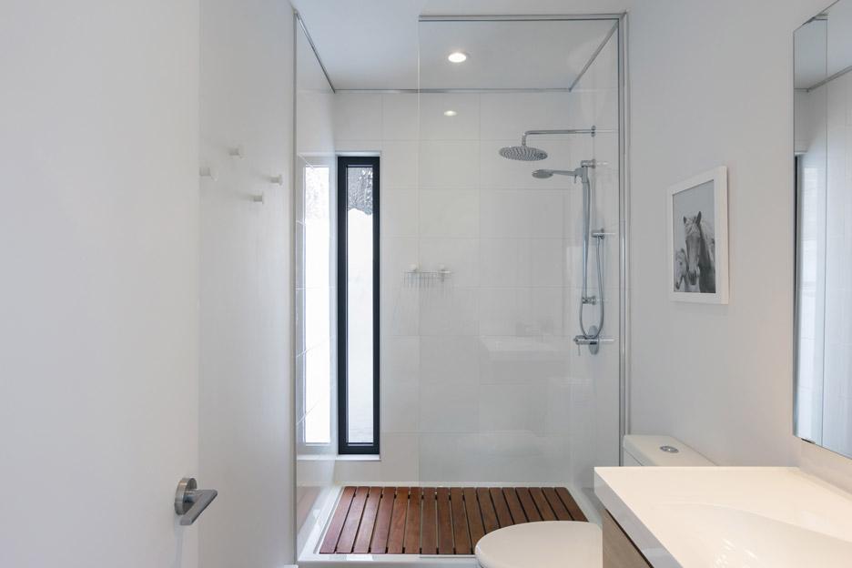villa-boreale-cargo-architecture-residential-quebec-canada-dave-tremblay_dezeen_936_10.jpg