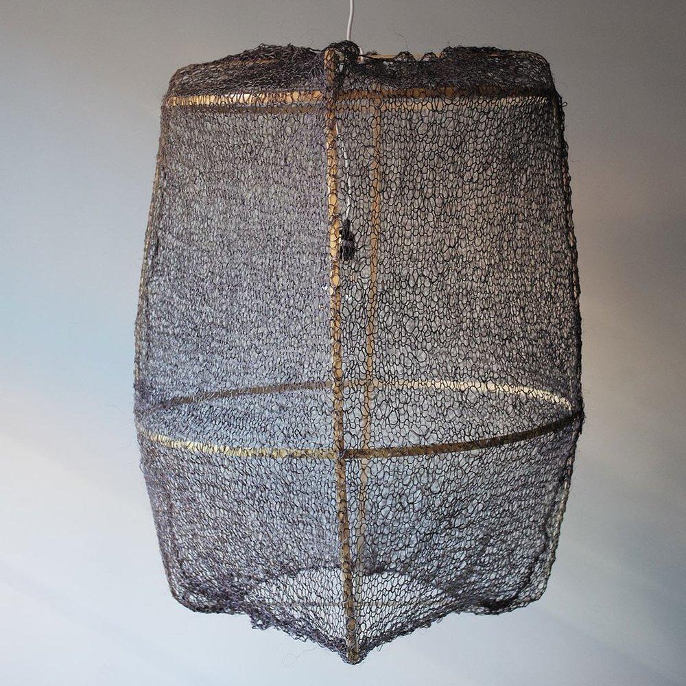 Bamboo frame, grey sisal mesh