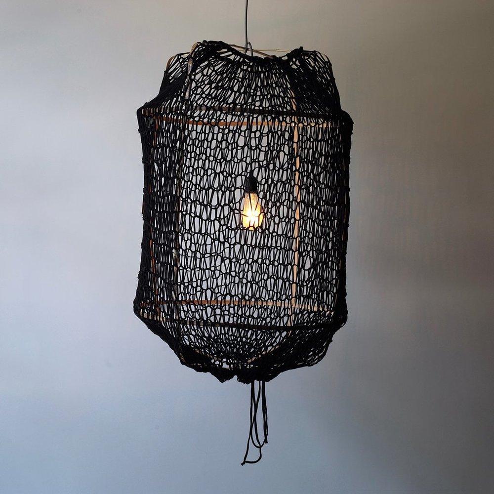 Bamboo frame, black jersey net