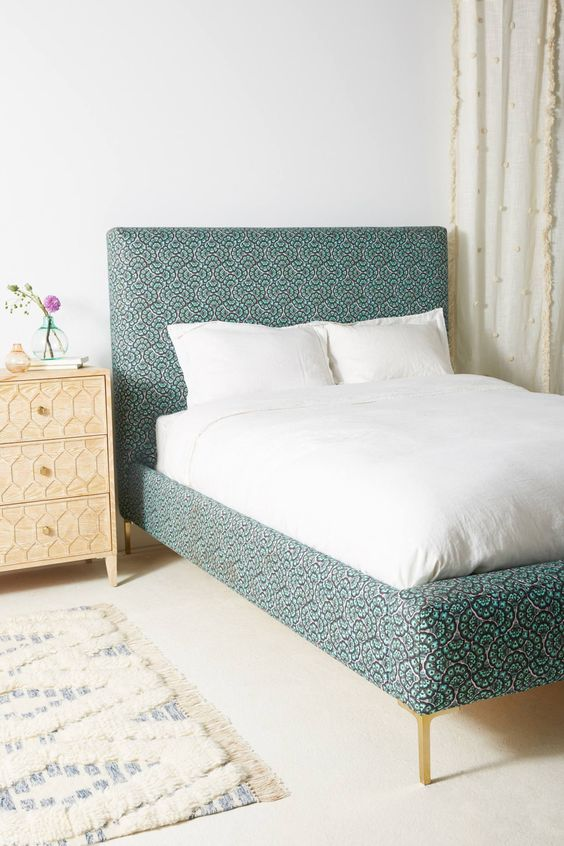 Feather Fan Edlyn Bed