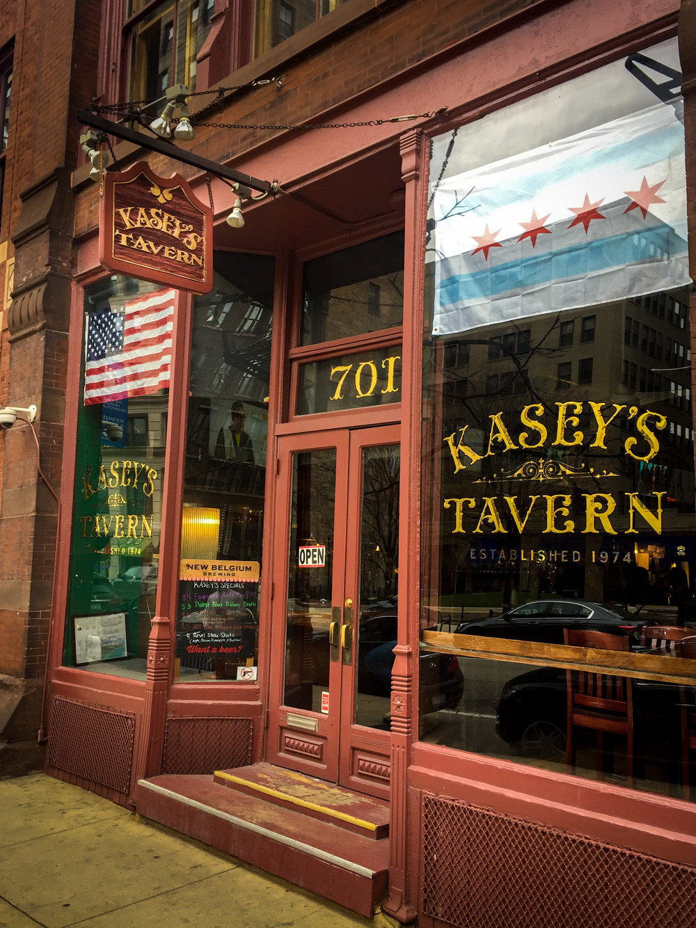 Kasey's Tavern - The Second Oldest Tavern in Chicago