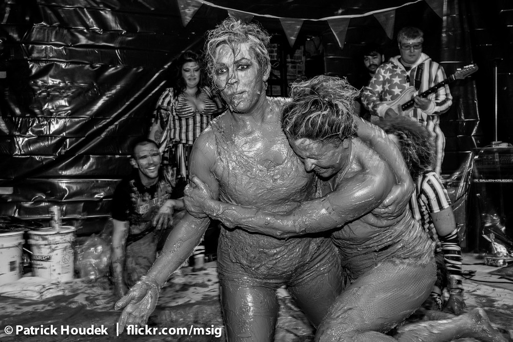 mud-queens-of-chicago_14652749963_o.jpg
