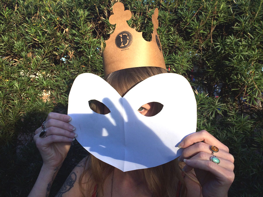 Guess who? The Monarch of Hearts @Dechoes. Of course, it's a she. We all genuflect. Hail the Queen of Hearts <3
